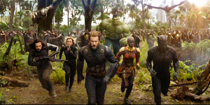 Vengadores luchando en Infinity War