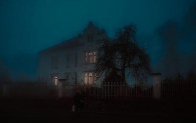 Cuento de La Vidente y el crimen en la mansión